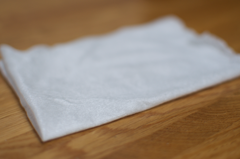 A luxurious 2 in 1 bamboo liners and wipe from Canny Mum, super soft and pure comfort for new born skin