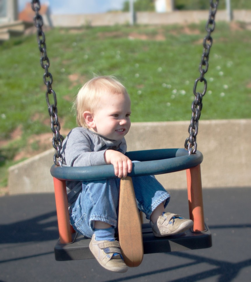 Living Arrows – Early Autumn Playtime