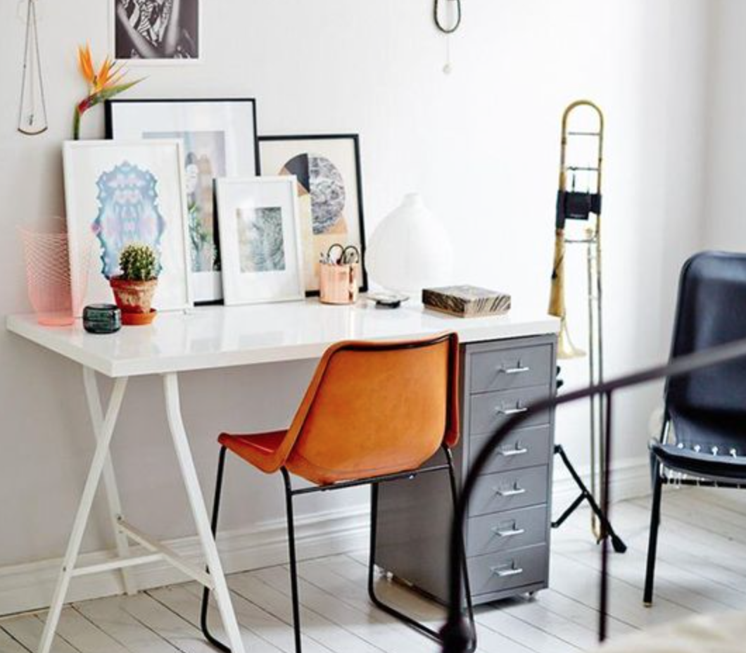 colour is a powerful thing. What would you choose to create a calm and creative home office? My choice is grey and orange and here's why.