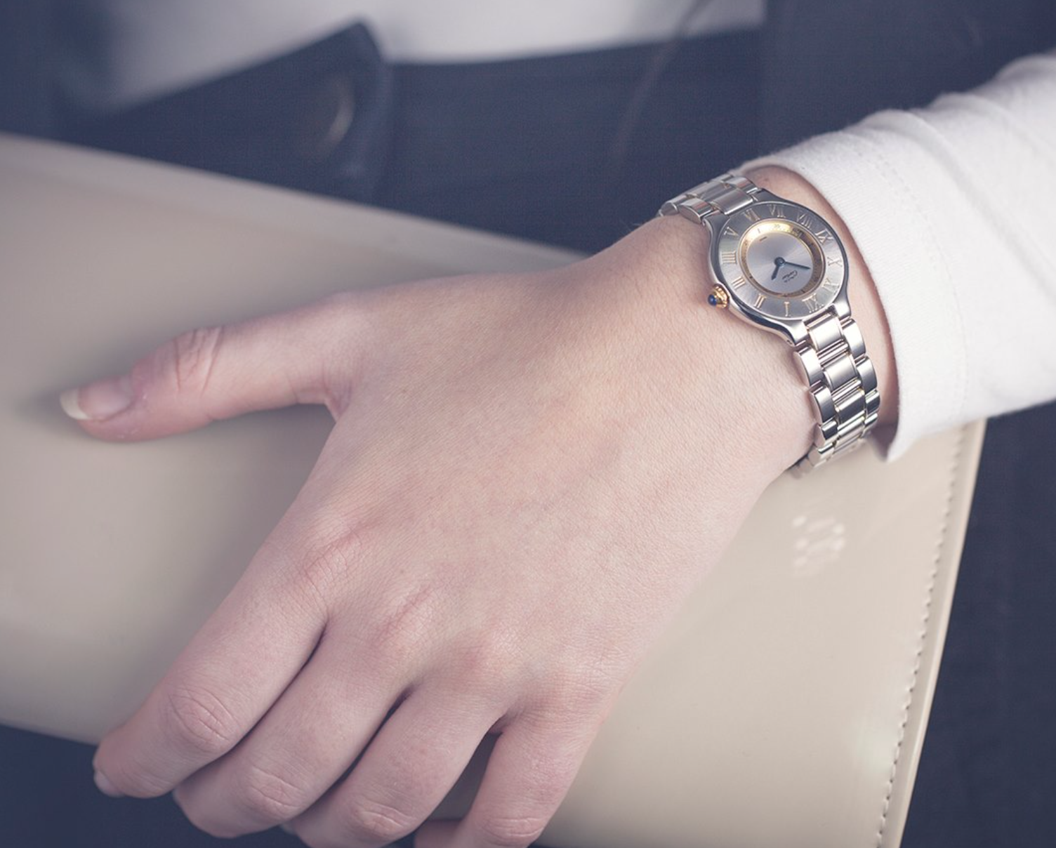 I'm not ashamed to admit I like the finer things in life, I thing everyone deserves a treat and there are ways to get them with out breaking the bank. Be it  luxury handbags or a designer watch. Here's why and how  I justify it.