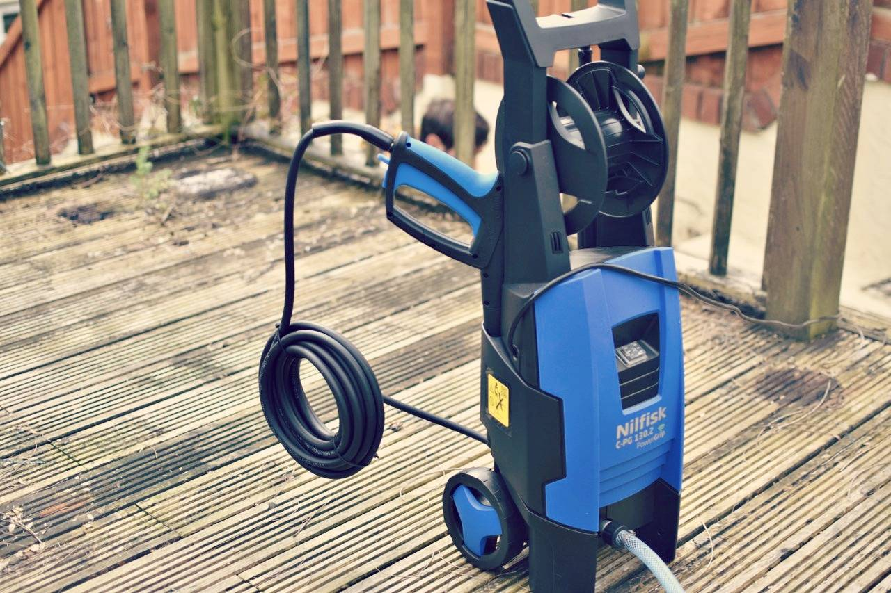 Testing Out A Nilfisk Powergrip Pressure Washer