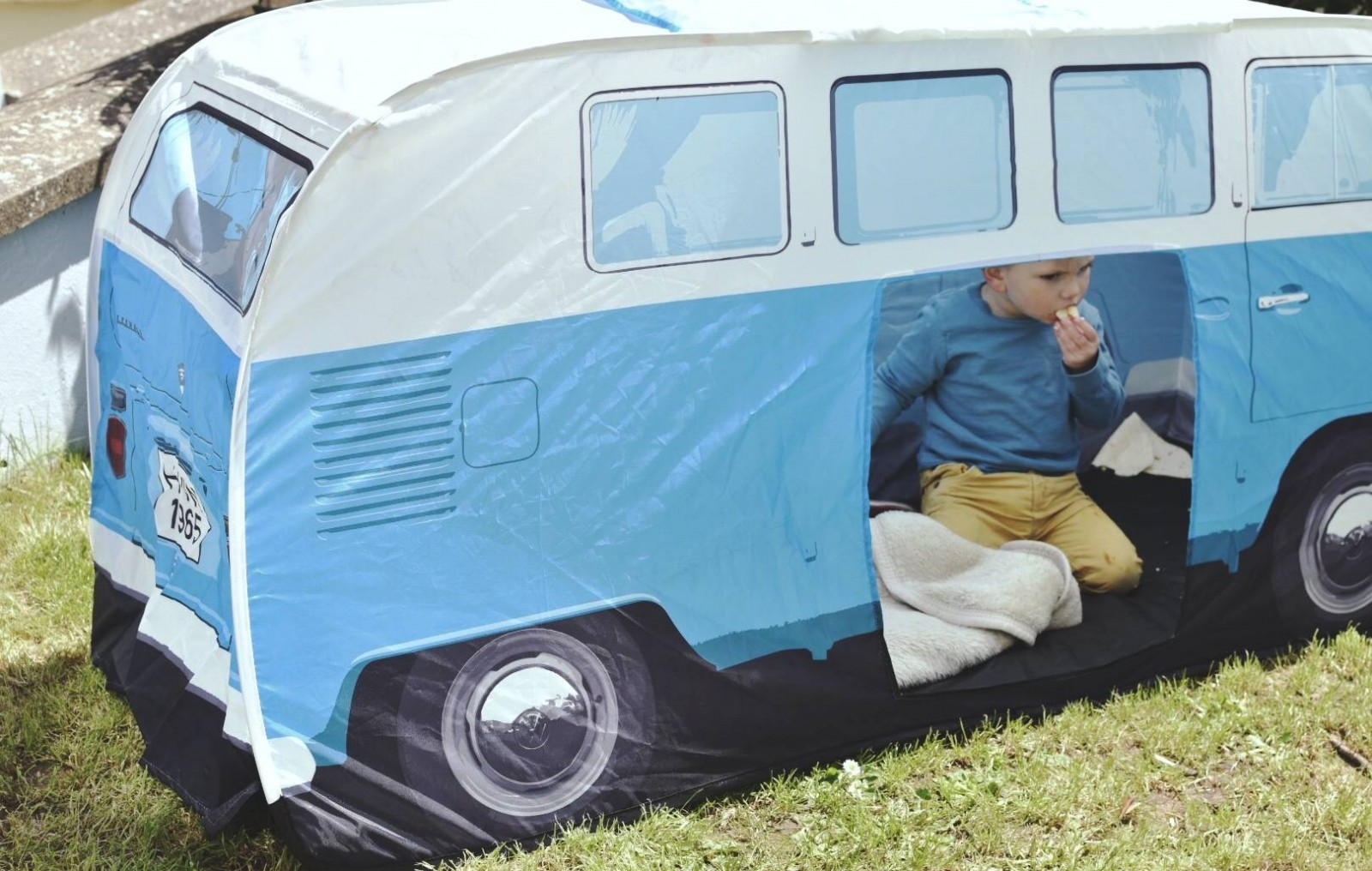 what a funky way to liven up your garden and keep your children safe, this VW camper van tent is a great hide out, sunshade and sleepover den.